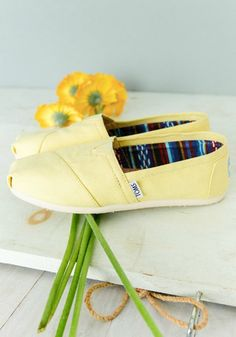 The latest Toms Shoes in Toms Outlet*we have various kinds of Toms Shoes*all kinds Toms Shoes can meet all your specific demands* make you look very nice! Toms Shoes Outlet, Disney Toms, Kids Toms, What's Your Style, Only Shoes, Me Too Shoes, Tom Shoes, Men's Shoes, Mellow Yellow