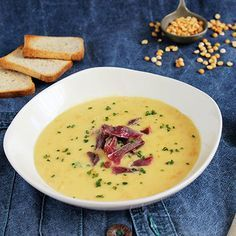 Sárgaborsó krémleves sonkával Soup Recipes, Cooking Recipes, Healthy Snacks, Healthy Recipes, Eat Pray Love, Cheeseburger Chowder, Bacon, Nom Nom, Clean Eating