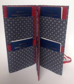 Para os que amam viajar. Porta-passaporte em tecido e cartonagem, extremamente útil numa viagem, acomoda 4 passaportes, vouchers e cartões. Os tecidos são escolhidos pelo cliente conforme disponibilidade.    **TECIDOS DA FOTO INDISPONÍVEIS.