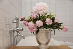 Badrum, bathroom, Oscar Clothilde, Pioner, tap, classy interior, Sarah Bernardt, pink, relax