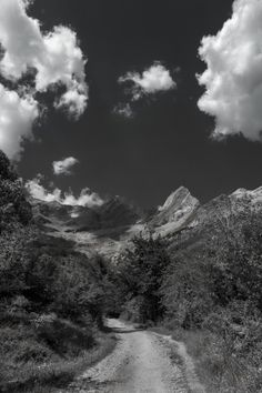 Take me to the mountains.f5.6; 1/640s; ISO 100; FL18mm....