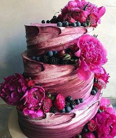 Swirled purple wedding cake #weddingcakes