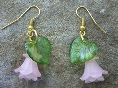 Soft pink flower Lucite earrings by uniqueeuphoria on Etsy, $5.00
