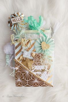 I created another Tiffany& Loaded Envelope. Since I had already made one with this theme (see this post), I wanted to do something tota. Mini Scrapbook Albums, Scrapbook Paper Crafts, Mini Albums, Paper Crafting, Pocket Envelopes, Card Envelopes, Ideas Scrap, Pochette Surprise, Baby Mini Album