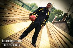 Basketball-Fotografie - B. Basketball Fotografie, Photography Business, Photography Ideas, Basketball Photography, Golf Bags, Senior Pictures, Sling Backpack, Sports, Life