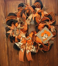 This homemade wreath measures and is made with paper mesh and burlap ribbon. A must have for any OSU fan! Cowboys Wreath, Football Wreath, Diy Arts And Crafts, Diy Crafts, Paper Mesh, Burlap Ribbon, Burlap Wreaths, Sports Wreaths, Homemade Wreaths