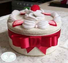 Kawaii Strawberry Shortcake Felt Cake Tin Can