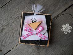 2 x 4 penguin 2x4 Crafts, Wood Block Crafts, Diy Crafts For Gifts, Crafts To Sell, Crafts For Kids, Wood Projects, Craft Projects, Paper Crafts, Christmas Craft Fair
