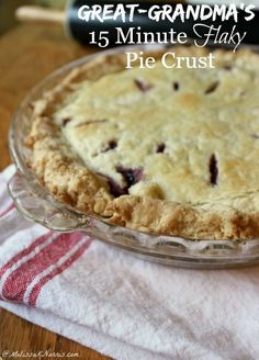 This flaky pie crust whips up in just 15 minutes. Never purchase store bought pie crust again with this easy pie crust. Its her great-grandmothers recipe and I love the secret ingredient that makes this extra flaky, plus, no shortening. Lard Pie Crust, Flakey Pie Crust, Pie Crusts, Pie Dessert, Dessert Recipes, Just Desserts, Delicious Desserts, Pie Crust Recipes, Best Pie Crust Recipe