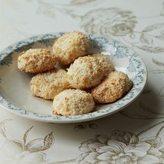 Amber Rose Coconut & Sesame Seed Macaroons - Healthy & Easy Recipes