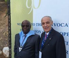 """""""A Universidade de Jerusalém é reconhecidamente uma grande instituição e é uma honra estar associado a ela"""", afirmou o Ministro Joaquim Barbosa. Na foto Joaquim Barbosa e Jayme Blay."""