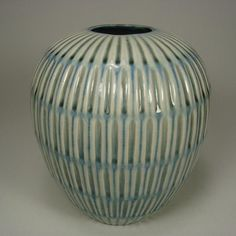 Gertrud Lönegren (Swedish: 1905 - 1970) - Gertrud Lönegren vase for Rörstrand Ceramic Studio, Ceramic Clay, Ceramic Bowls, Stoneware, Vintage Pottery, Vintage Ceramic, Pottery Art, Glass Vessel, Glass Art