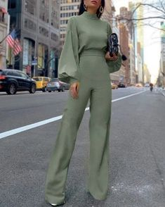 25 Latest Office & Work Outfits Ideas for Women #outfitideas #fashionoutfits #outfits > momogicars.com