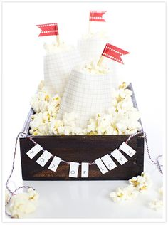 @Amanda Vorous!!! How cute for an engagement party or bridal shower!