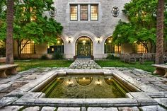 Goldsmith Hall [Hal and Eden Box Courtyard], UT Austin. The UT campus has several romantic spots and breathtaking architecture.