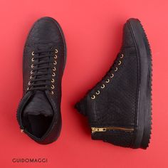 Precious details of our exclusive Delano shoes Italian Shoes, Urban Chic, Natural Rubber, Elevator, Luxury Shoes, Matte Black, Leather Shoes, All Black Sneakers, Casual Outfits