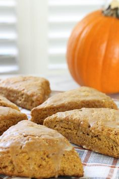Pumpkin Maple Spelt Scones - Just like Starbucks but vegan and made with coconut oil