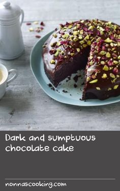 Dark and sumptuous chocolate cake Dill Recipes, Cake Recipes, Vegan Recipes, Tasty Chocolate Cake, Vegan Chocolate, Fried Cake Recipe, Springform Cake Tin, Chocolate Espresso, Supper Recipes