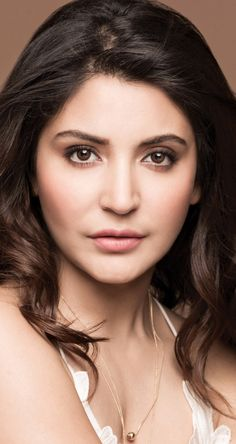 Some Lesser Known Facts About Anushka Sharma Does Anushka Sharma smoke?: No Does Anushka Sharma drink alcohol?: Yes Anushka Sharma Drinking Alcohol Anushka Anushka Sharma, Most Beautiful Indian Actress, Beautiful Actresses, Bollywood Celebrities, Bollywood Actress, Huma Qureshi Hot, Pretty Zinta, Bollywood Wallpaper, Pixie