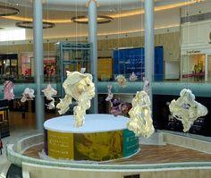 Yas Mall, Abu Dhabi.........  Luxury Court,   32m x 27m  by ± 20 meters high Paper Art:  Peter Gentenaar
