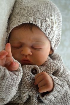 Beautiful Realistic Reborn Baby Girl Olivia