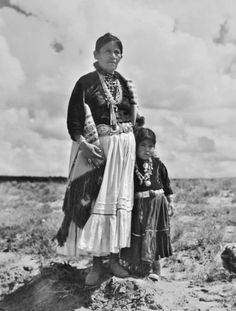 Navajo mother and daughter - circa 1920