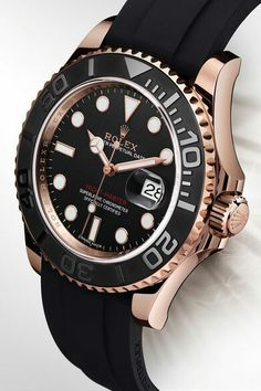 Rolex Yachtmaster in 18k Everose Gold.