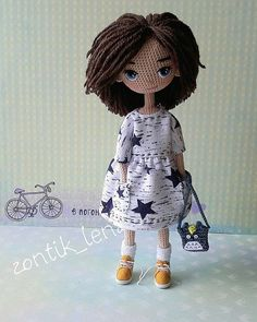 Foto Yarn Dolls, Knitted Dolls, Crochet Dolls, Crochet Doll Tutorial, Crochet Doll Pattern, Crochet Patterns, Amigurumi Doll, Amigurumi Patterns, Doll Patterns