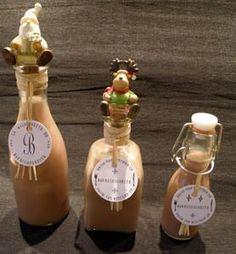 Liqueur de chocolat au Thermomix - La Maisonnette de Barbichounette/ Chocolate liquor recipe (in french) Tupperware, Cocktail Drinks, Cocktails, Thermomix Desserts, Yummy Drinks, Hot Sauce Bottles, Homemade Gifts, Parfait, Diys