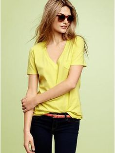 Love this styling. @Gap knocks it out of the park - again! Obsessed. Mercer V-neck pocket T   Gap