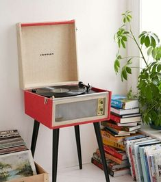 The dansette bermuda record player by crosley is a furniture-like turntable Retro Record Player, Creating Positive Energy, Life Lyrics, Video Wall, Diy Mirror, Blog Deco, Super Healthy Recipes, Wood Planks, Grey Walls