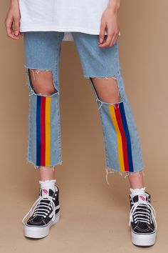 Grazer cut mom jean with busted knee and rainbow stripes. This cut is cotton with no stretch please refer to our size guide for full details. Winter 17 Collection Cotton Sizes Model is 9 and wears a size Painted Jeans, Painted Clothes, Denim Paint, Look Fashion, Diy Fashion, Fashion Outfits, Diy Clothing, Custom Clothes, Clothing Fails