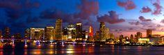 Einfach unschlagbar dieser Anblick - vor allem, da er das Wochenende einläutet!  #HappyWeekend #MiamiSkyline #SoMiami #VisitMiami #Miami #Skyline #Downtown