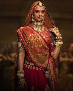Bollywood has given us some of the most drool-worthy bridal looks thanks to style icons such as Anushka Sharma, Alia Bhatt, Deepika Padukone and Sonam Kapoor and their various films. Rajasthani Bride, Rajasthani Dress, Bollywood Bridal, Bollywood Fashion, Bollywood Actress, Indian Bridal Outfits, Indian Dresses, Indian Attire, Indian Wear