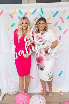 What a fun baby shower photobooth backdrop! It's a SPRINKLE!