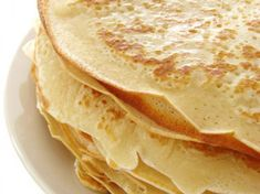 Gluten-free crepes can become a rather ambitious undertaking, as they need to be thin and crisp at the same time. These crepes are fast and delicious! Breakfast And Brunch, Breakfast Recipes, Dessert Crepes, Bon Dessert, Healthy Snacks To Make, Healthy Dessert Recipes, Healthy Eats, Buckwheat Crepes, Gluten Free Crepes