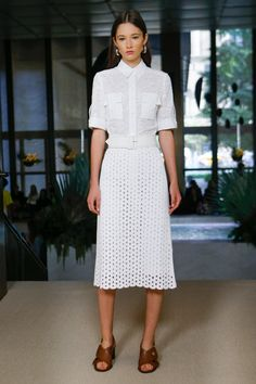 Derek Lam Spring 2018 Ready-to-Wear  Fashion Show - Vika Ihnatenko
