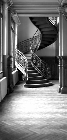 A twisty staircase will be a must in my future home :)