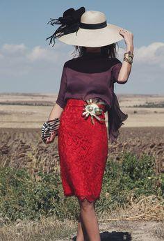 invitada boda blog broche laton araña