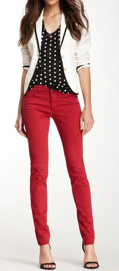 44 Ideas How To Wear Red Pants Casual Spring Outfits Fashion Mode, Work Fashion, Fashion Outfits, Womens Fashion, Trendy Fashion, Fashion Black, Fashion Trends, Fashion Shoes, Outfit Pantalon Rojo