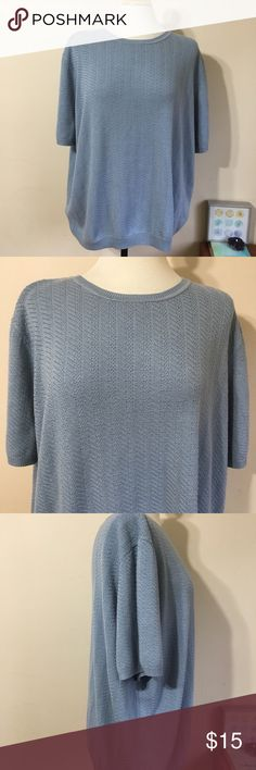 """🎉Alfred Dunner Light Blue Knit Short Sleeve Top🎉 Perfect for fall and winter layering! Short sleeves and a light acrylic material. Versatile enough to dress up or down. Approximate length (shoulder to hem)-28.5"""". Excellent used condition. Live long and poshper 🖖🏼 Alfred Dunner Sweaters Crew & Scoop Necks"""