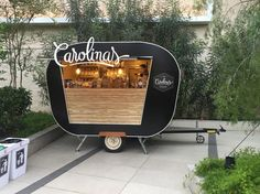 Food truck: como montar o seu negócio - santiago carretas food cart design, food Coffee Truck, Coffee Carts, Food Trucks, Kiosk Design, Cafe Design, Bakery Shop Design, Design Art, Design Ideas, Foodtrucks Ideas