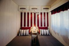 Mobil Homes en alquiler en el camping situado en primera línea de mar, en la Costa Dorada. Cinque Terre, Curtains, Home Decor, Beach Feet, El Dorado, Blinds, Decoration Home, Room Decor, Draping