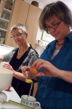 Tolles Rezept von Eatsmarter, zubereitet von Karin und Ulrike. Und mit unseren Lebensmittelaromen Zitrone und Orange verfeinert.  http://www.provence-onlineshop.com/Genusswelt/Bio-Lebensmittelaroma/Zitrone-Koch-Backaroma-Bio-10-ml-natuerliches-Lebensmittelaroma::18.html