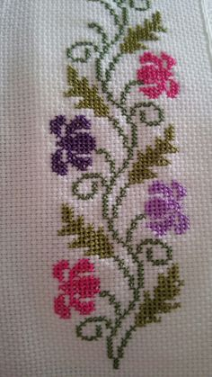 Cross Stitch Tree, Cross Stitch Bookmarks, Simple Cross Stitch, Cross Stitch Borders, Modern Cross Stitch, Cross Stitch Flowers, Cross Stitch Designs, Cross Stitching, Cross Stitch Embroidery
