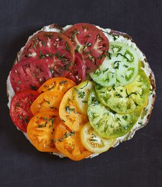 The best tomato sandwich ever, with a beautiful rainbow of heirloom tomatoes and the most flavorful mayonnaise, made with smoked corn! Tomato Sandwich, Soup And Sandwich, Sandwich Ideas, Vegetarian Sandwich Recipes, Healthy Recipes, Heirloom Tomatoes, Wrap Recipes, Soup And Salad, I Love Food