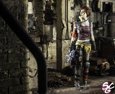 Videogame: Borderlands. Character: Lillith. Cosplayer: Kelly Jean. Photo: Daniel John Cotton Wall, 2013.