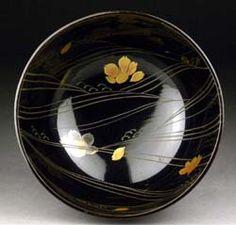 Lacquer bowl with sakura and waves at Mizyua.com