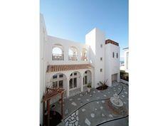 ホテルライクな住まいは、所々に敷石を施し、遊び心を演出。Terrace