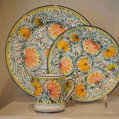 "#FLORIDA DINNER PLATE: 11"" (28cm) Diameter.    This Dinnerware pattern is hand painted in Deruta.    #Art #Vail #Gubbio #Umbria #Deruta #Italy #Ceramics #Dinnerware #Tuscany #Majolica #Renaissance"